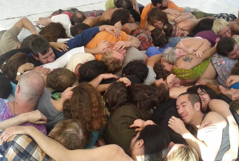 Resultado de imagen de cuddle parties